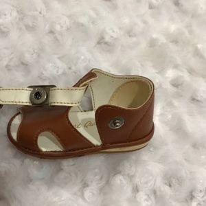 finest quality Shoes - 🍍Infant brown sandals- Size 1